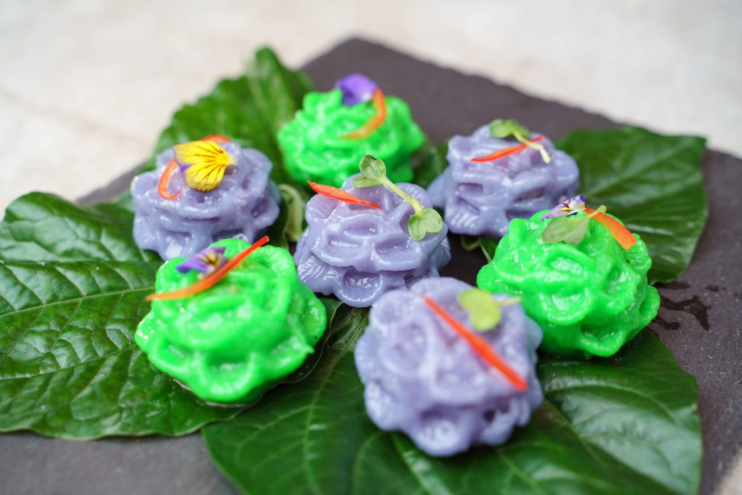 Chor Muang Flower Dumplings